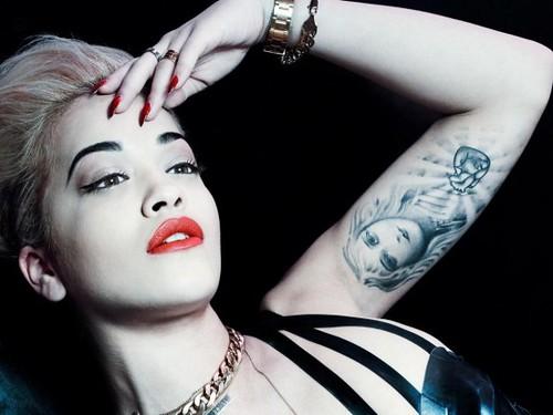Rita Ora is in love with Travis Barker