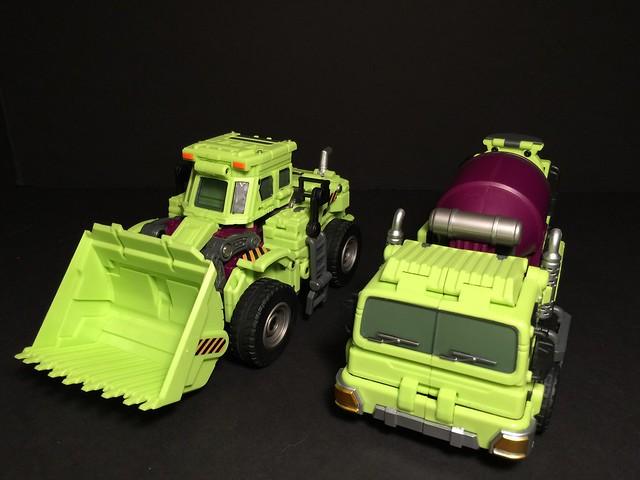 Mixer Truck with Scraper