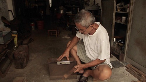 TIM MAN • Tinsmith Craftsman • George Town • MALAYSIA-13 | by OXLAEY.com