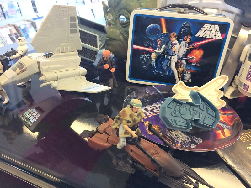 Lunchbox, cookie cutters and speederbike