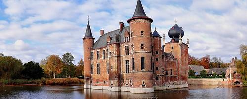 castle belgium antwerp moat aartselaar cleydaelcastle kasteelvancleydael