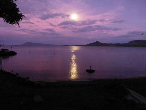 africa sunrise kenya moonlight lakevictoria eastafrica mbita westernkenya lakevictoriasafarivillage