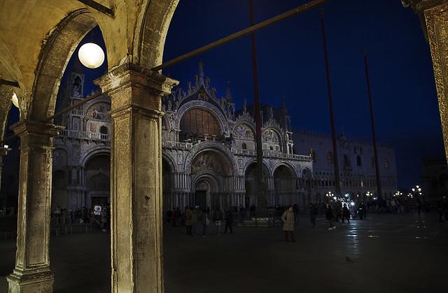Venezia- piazza S. Marco di sera