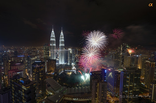 nightphotography shopping skyscrapers fireworks petronas commercial twintowers hdr petronastwintowers suriaklcc nighthdr petronastower3 nurismailphotography nurismailmohammed nurismail frozenlite