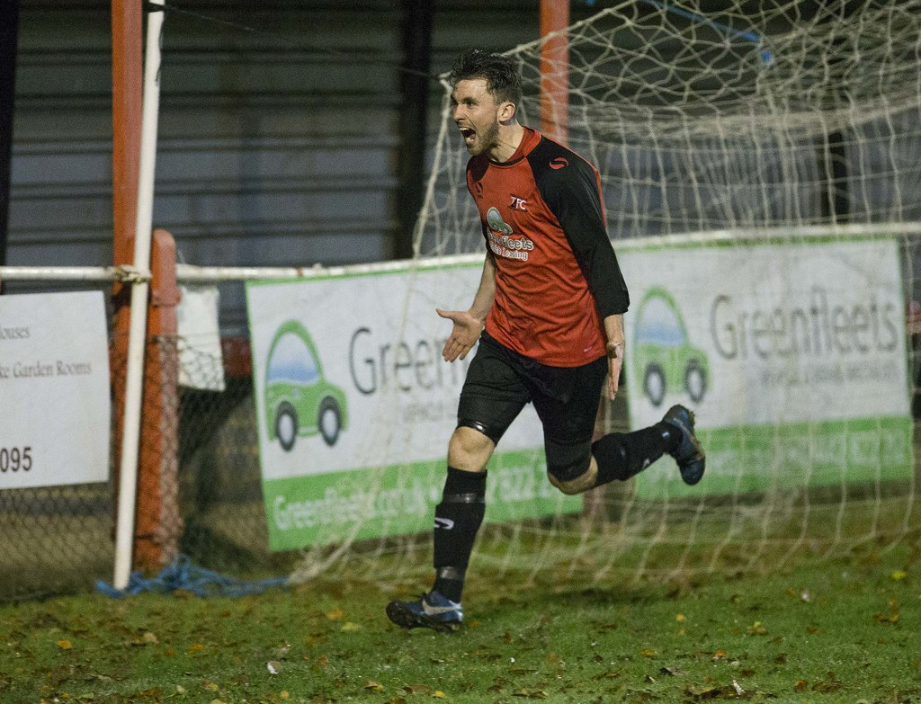Tring Athletic 2-1 Oxhey Jets