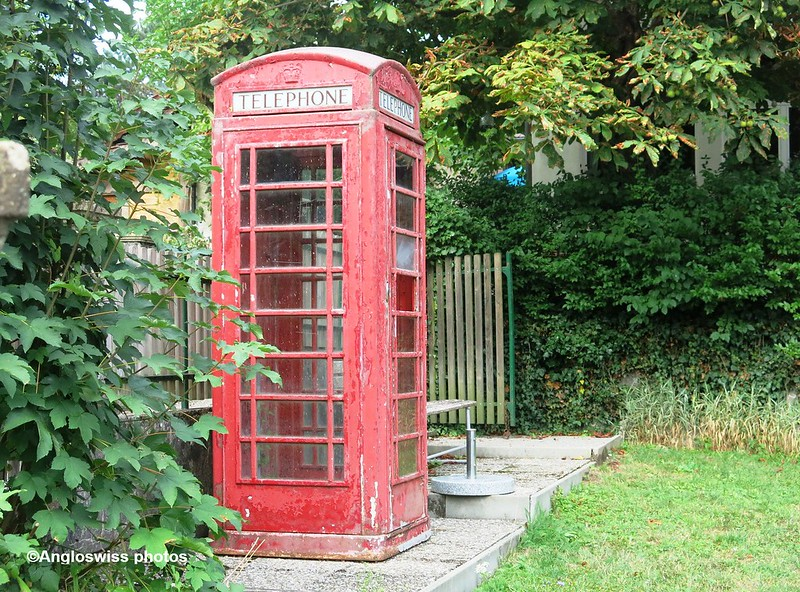 English Telephone box Pintli restaurant Feldbrunnen