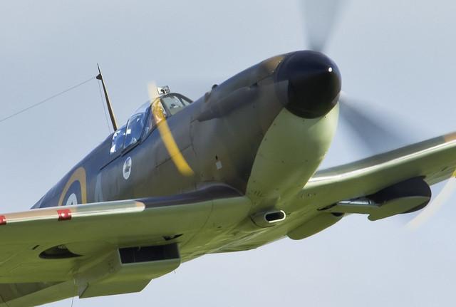 Full Throttle - Spitfire X4650