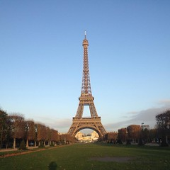 Morning shot #paris #parisnow #eiffeltower #toureiffel