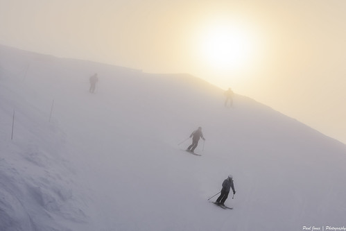 morning newzealand sun mist mountain snow ski weather fog sunrise snowboard southisland otago queenstown coronetpeak
