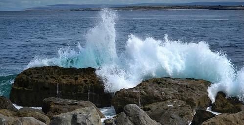 sea galway water rock islands nikon rocks wave atlantic splash nikkor aran nikkor1855mm nikkor1855 nikond3100