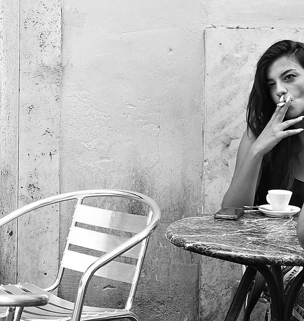 A smoke, a coffee, a look.
