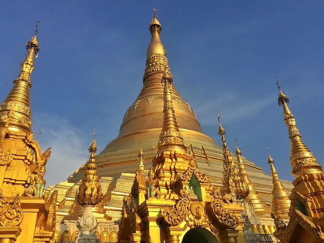 Shwedagon Paya, uno de los imprescindibles que visitar en Yangón (Myanmar)