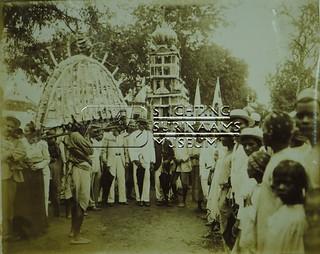 Tajiyá feest.   by Stichting Surinaams Museum