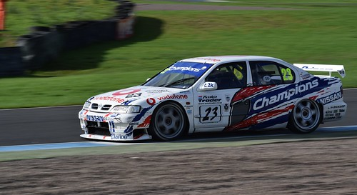 Nissan Primera - Derek Palmer Photo