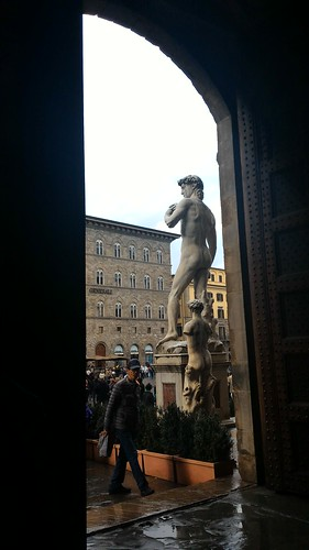 Copia del David di Michelangelo in Piazza Signoria a Firenze | by S I C A N I A