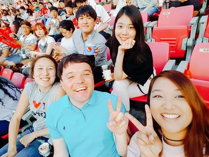 Nguyen, Anna; South Korea - Episode 13 (9)