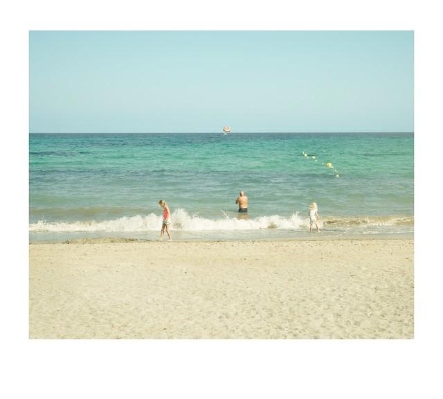 beach, kids, dad, sea and parasail.