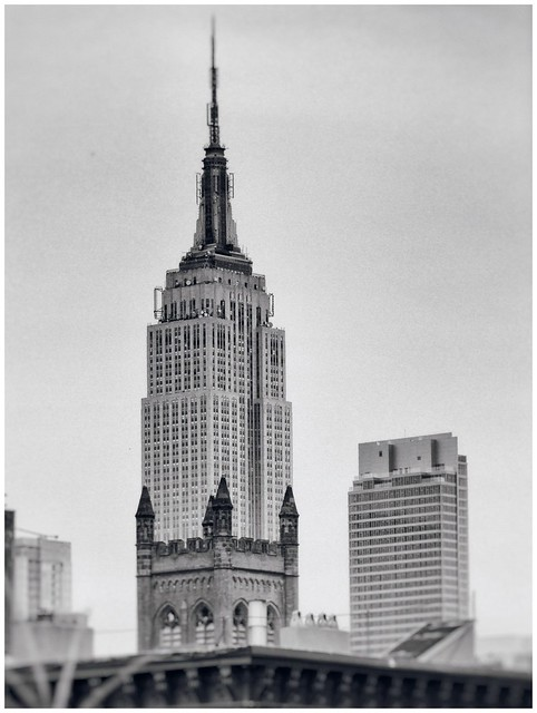 EMPIRE SKYLINE BUILDING