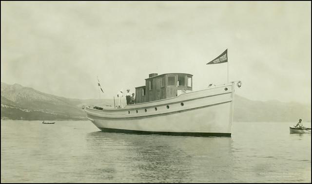 5220 AMN Unknown New boat, place and date Deutz diesel flag Antikvarijat Mali Neboder Rijeka