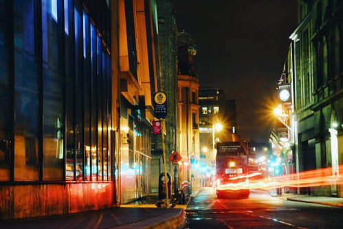 I don't know about you, but I think Fleet Street is one of the most beautiful in the city... Especially at night 😍  #Dublin #enjoyyourcity #city | by tweetymonkey