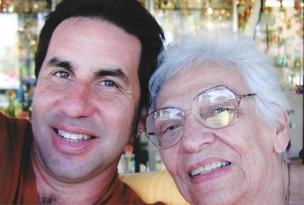 Afbeeldingsresultaat voor selfie with mother