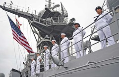 Sailors man the rails as USS Ashland (LSD 48) returns to Sasebo. (U.S. Navy/MC3 David A. Cox)