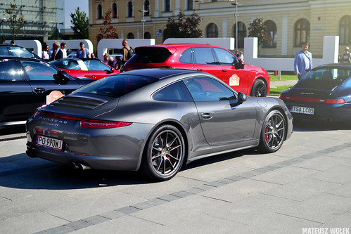 Porsche 911 (991) Carrera 4S   by Mateusz Wołek