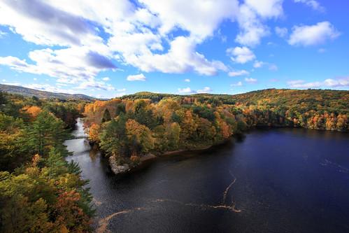 autumn america ma drive us driving unitedstates outdoor hiking weekend massachusetts autumnleaves foliage mohawktrail erving canonef1635mmf28liiusm img624273 frenchkindbridge