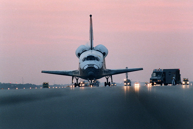 STS 80 Landing