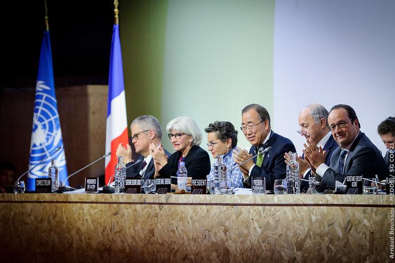 Séance plénière de la COP21 pour l'adoption de l'accord de Paris (Salle Seine - Le Bourget)