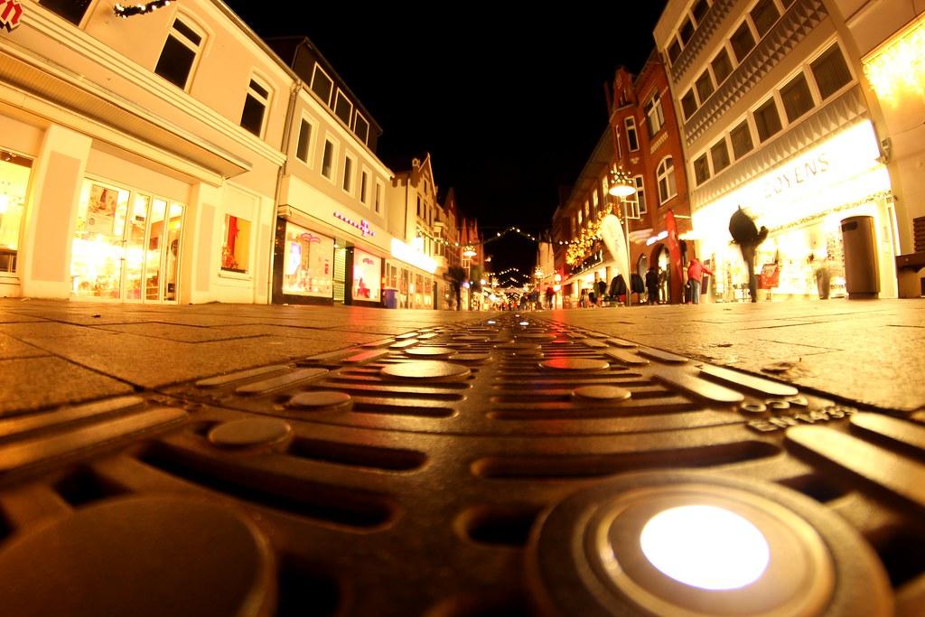 Friedrichstraße bei Nacht