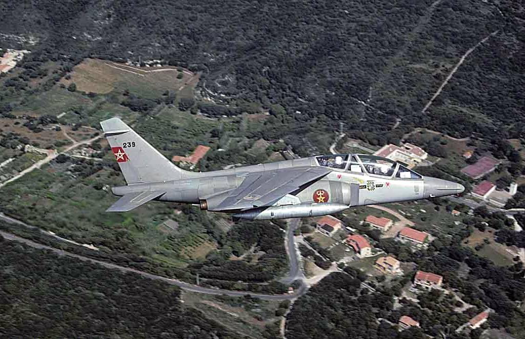 FRA: Photos avions d'entrainement et anti insurrection - Page 9 30534737873_55c069841e_b