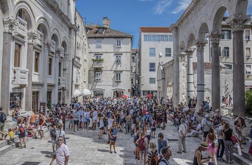 Split 11-08 | by Stefano Merli