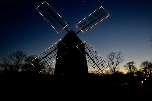 windmill easthampton longisland newyork december 2016 nikon5100 suffolkcounty lights christmaslights sunset