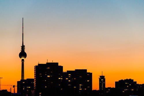 city sunset sky urban orange berlin silhouette skyline germany deutschland town sonnenuntergang himmel stadt