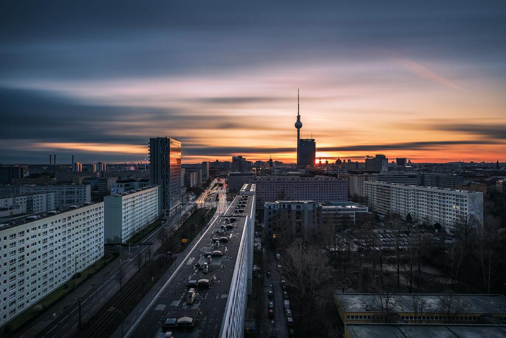 Berlin - Sun is Setting | © by Jean Claude Castor l 030mm - … | Flickr