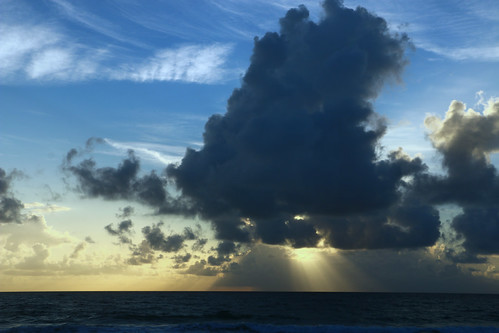 ocean sky cloud sun sunrise dark florida blu stuart atlantic rays hutchinsonisland
