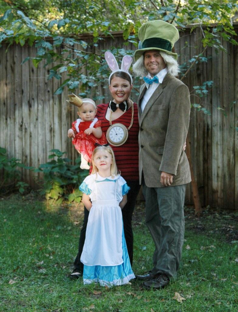 Alice In Wonderland Halloween Costume Family.Family Alice And Wonderland Family Halloween Costume Alic Flickr