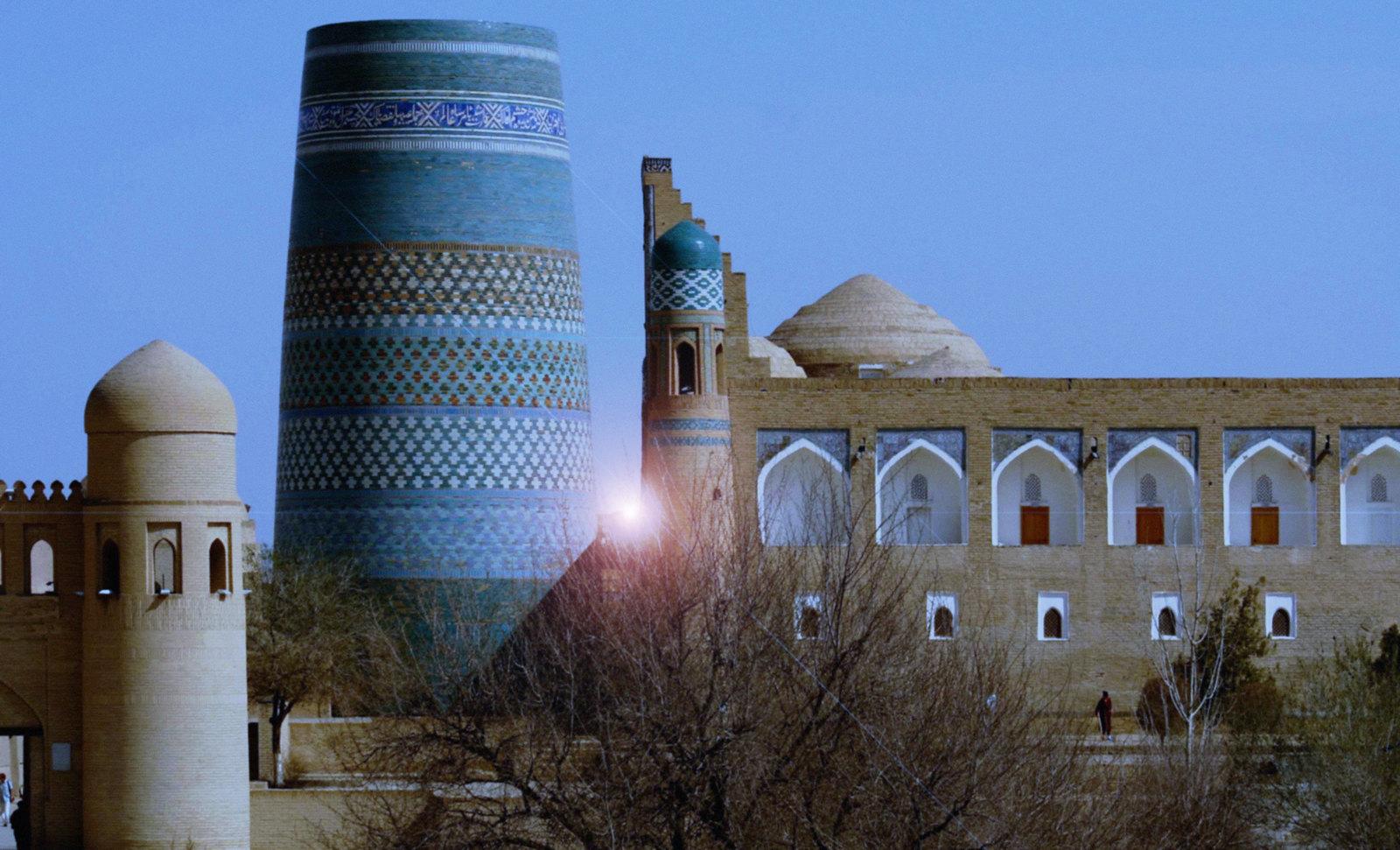 Torres legendarias / Faros, minaretes, campanarios, rascacielos