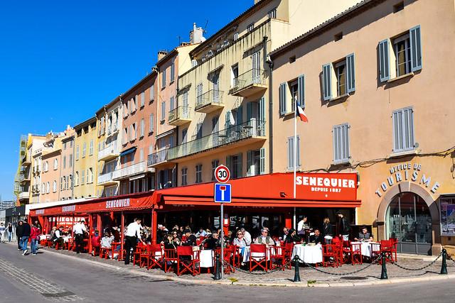 Le célèbre café Sénéquier