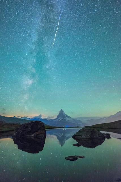 Meteor over the Stellisee - Zermatt