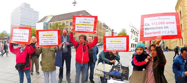 Flashmob: Weltarmutstag, Armut global - Armut Lokal 17.10.16