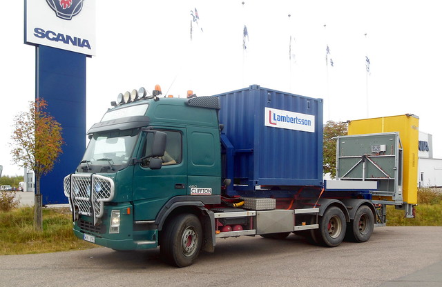 Volvo FM12 outside Scania Klippan service centre
