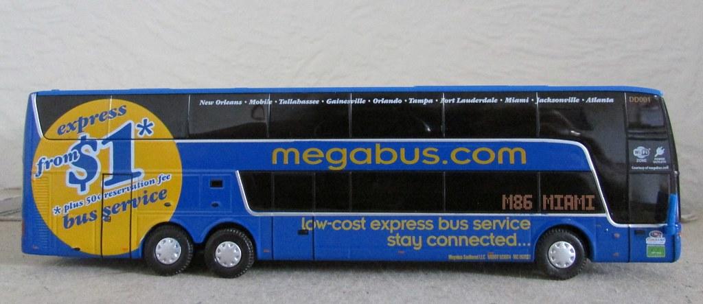 Van Hool Astromega TDX | HO (1/87) model of Megabus Van Hool