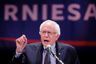 Election 2016: Bernie Sanders NYC Fundraiser Draws Campaign Supporters Who Are 'Feelin' The Bern' | by Michael Vadon