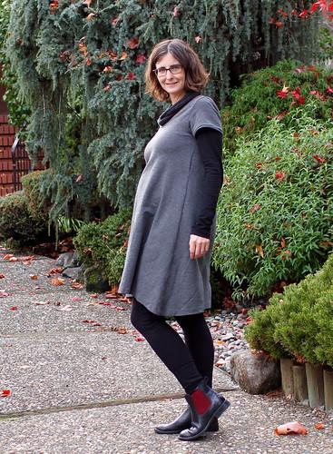 grey ponte plantain dress side | by noellelavoie