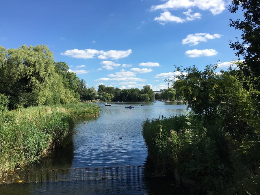 Ly, Cindy; London, England - THIRTEEN Park4