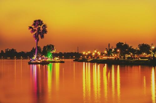 longexposure longexposurephotography sunset lake cloud nikon nikonphotography nikond3200 orange colorful longexpo india kolkata