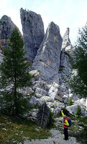Torre Quarta Alta (with climbers at the top) and Torre Quarta Bassa (slanting) | by Masa Sakano