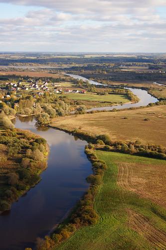 sel18200 sonyalpha sonyα nex7 geotaggedphoto geosetter sooc photoimage фотоfoto year2015 aerialview vertical special europe estonia estland eesti tartumaa river jõgi serene